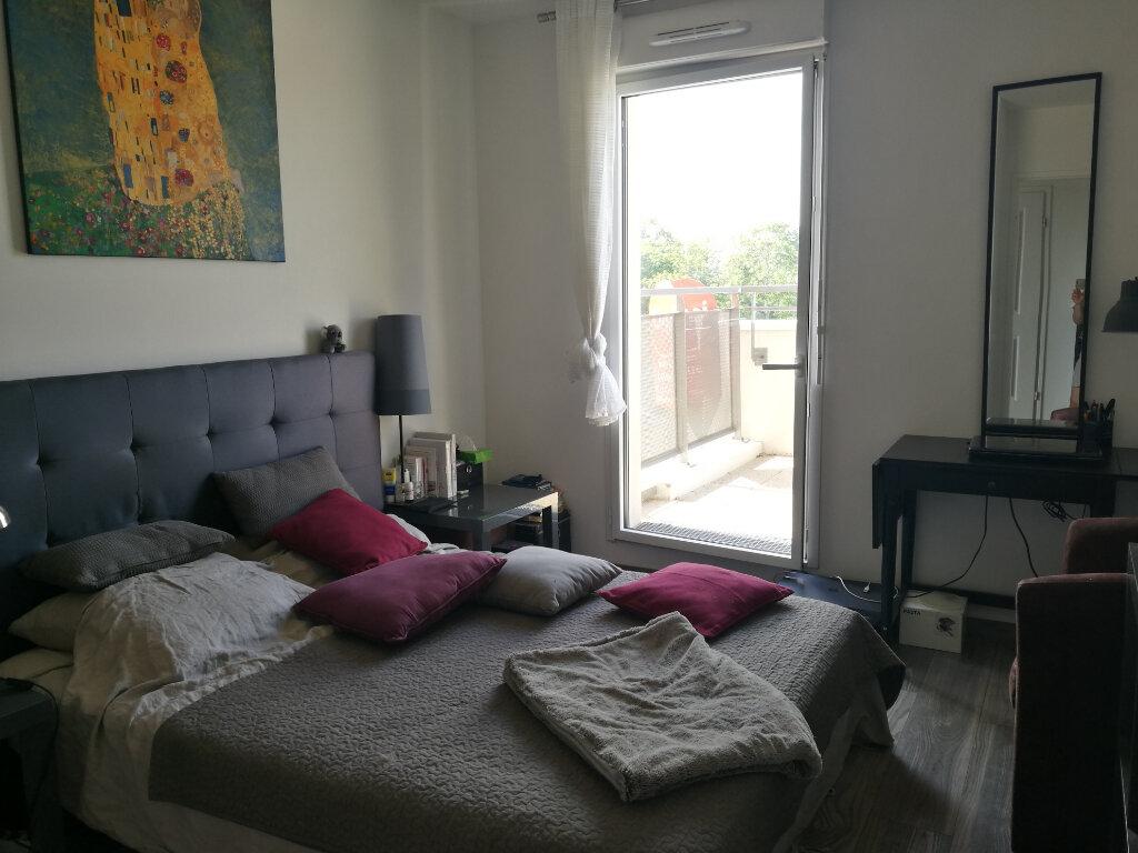 Appartement à louer 3 62.47m2 à Tours vignette-6