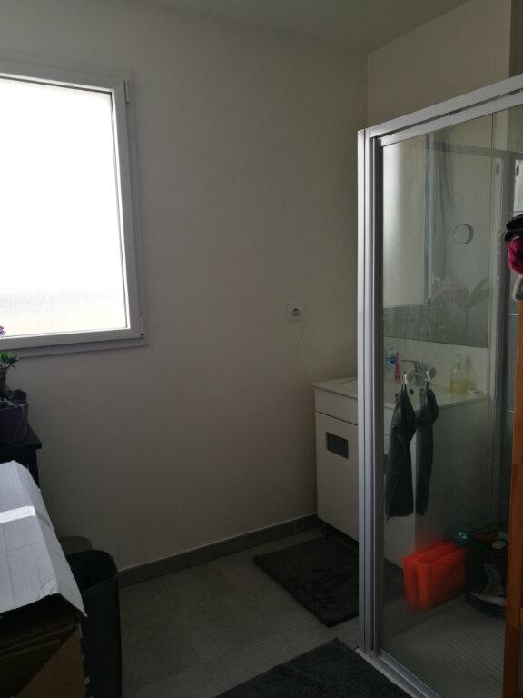 Appartement à louer 3 62.47m2 à Tours vignette-9