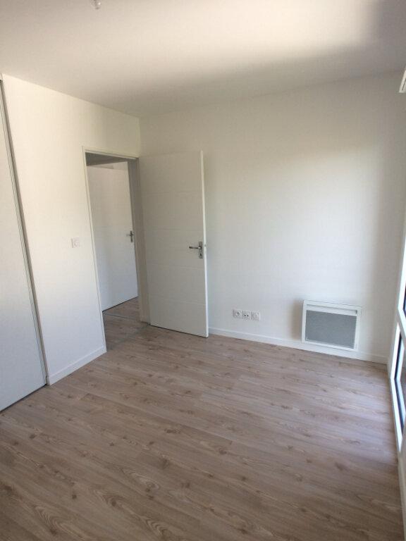 Appartement à louer 3 59.03m2 à Tours vignette-5