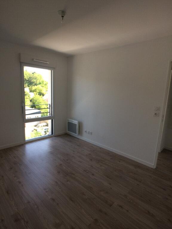 Appartement à louer 3 59.03m2 à Tours vignette-9