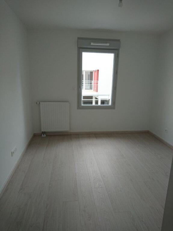 Appartement à louer 3 60.9m2 à Tours vignette-4