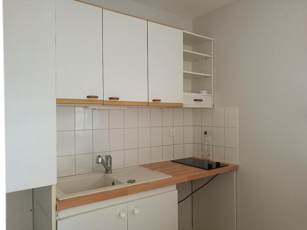 Appartement à louer 2 43.14m2 à Tours vignette-4