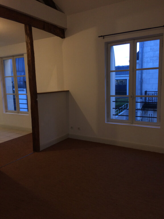 Appartement à louer 3 62.5m2 à Tours vignette-2