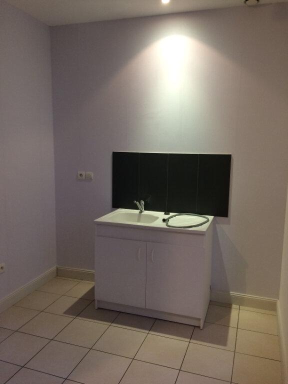 Appartement à louer 3 62.5m2 à Tours vignette-4