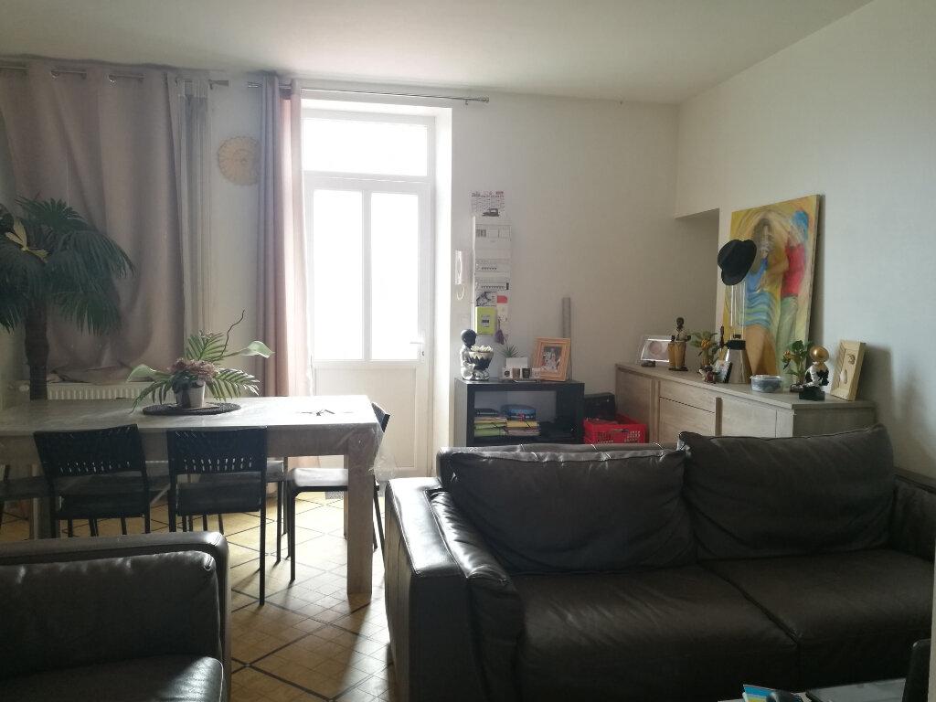 Appartement à louer 4 108.9m2 à Tours vignette-2