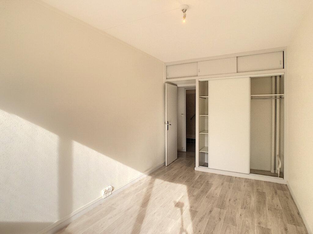 Appartement à vendre 3 62m2 à Tours vignette-6