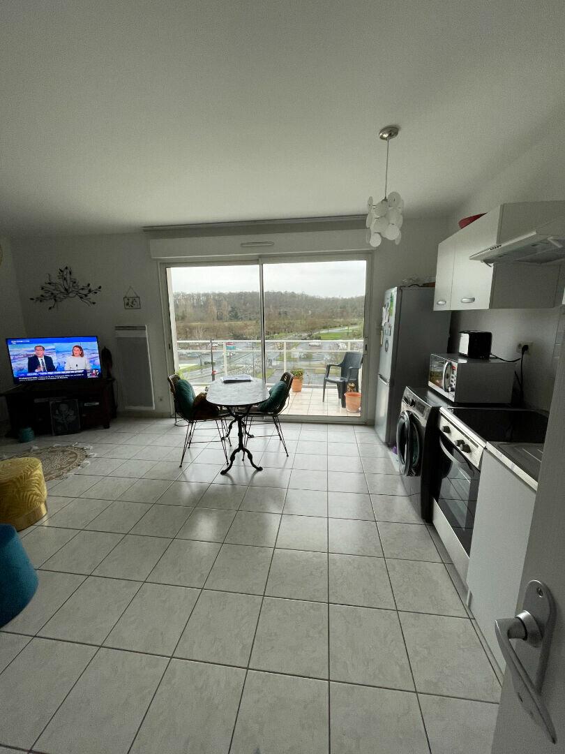 Appartement à louer 3 58.96m2 à Tours vignette-2