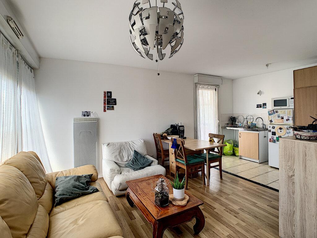 Appartement à vendre 2 49m2 à Tours vignette-2