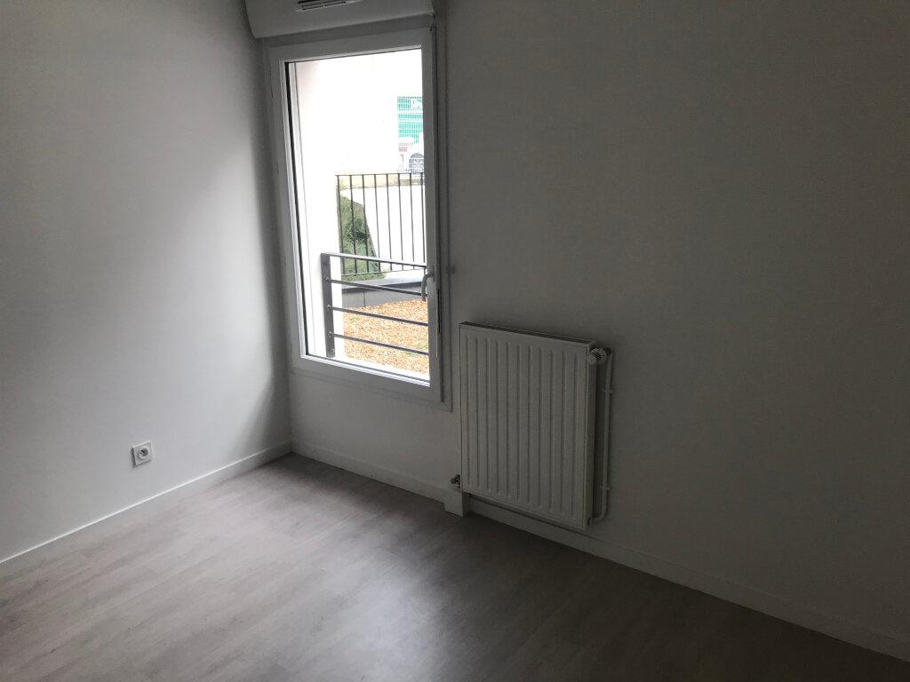 Appartement à louer 3 68.33m2 à Tours vignette-4
