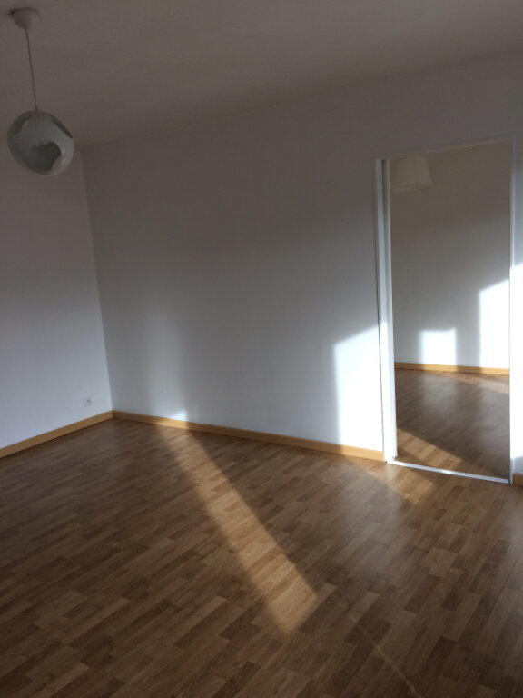 Appartement à louer 2 55.83m2 à Joué-lès-Tours vignette-3