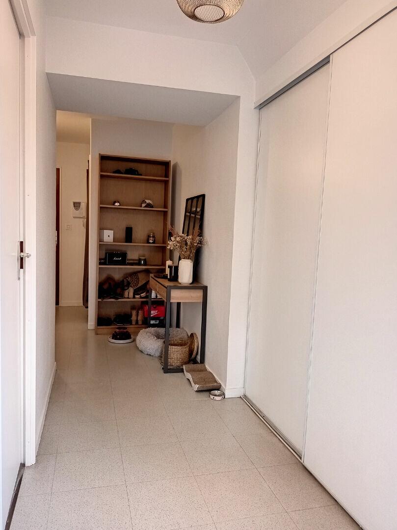 Appartement à louer 2 60m2 à Tours vignette-6