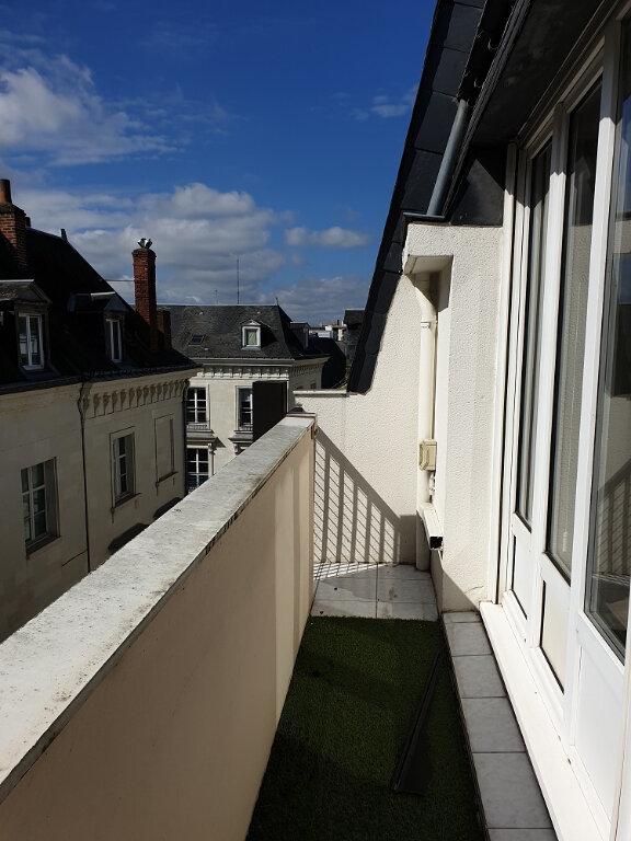 Appartement à louer 4 89.32m2 à Tours vignette-1