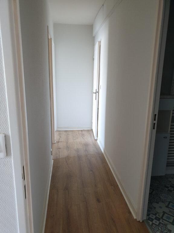Appartement à louer 4 89.32m2 à Tours vignette-8