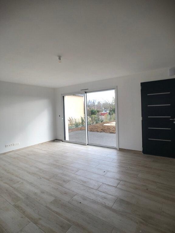 Maison à louer 5 118m2 à Saint-Cyr-sur-Loire vignette-2