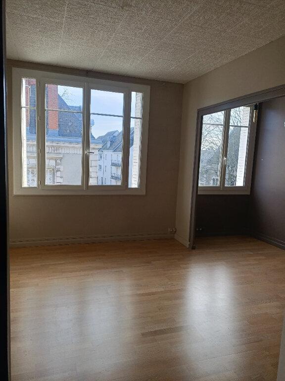 Appartement à louer 2 51.73m2 à Tours vignette-2