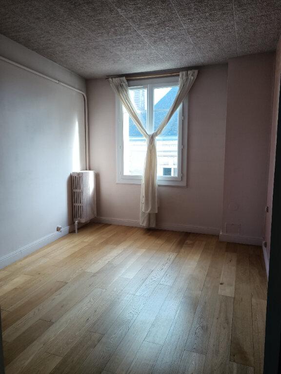 Appartement à louer 2 51.73m2 à Tours vignette-4