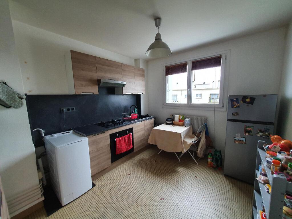 Appartement à louer 3 65.14m2 à Tours vignette-4
