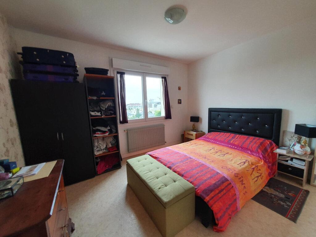 Appartement à louer 3 65.14m2 à Tours vignette-5