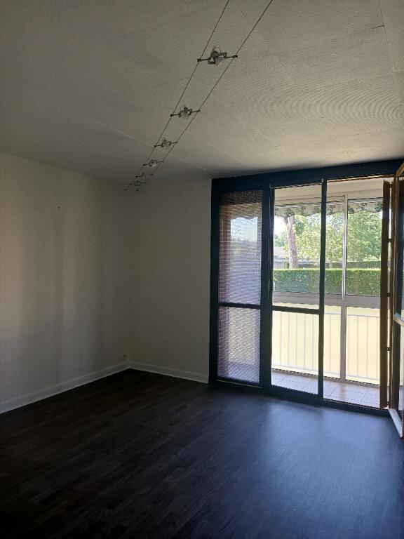Appartement à louer 3 57.75m2 à Joué-lès-Tours vignette-3