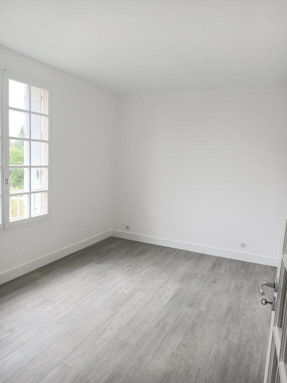 Appartement à louer 3 62.77m2 à Tours vignette-5