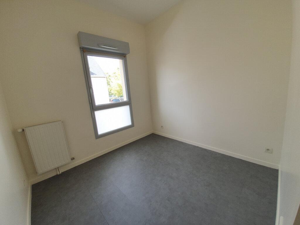 Appartement à louer 3 68.36m2 à La Riche vignette-3