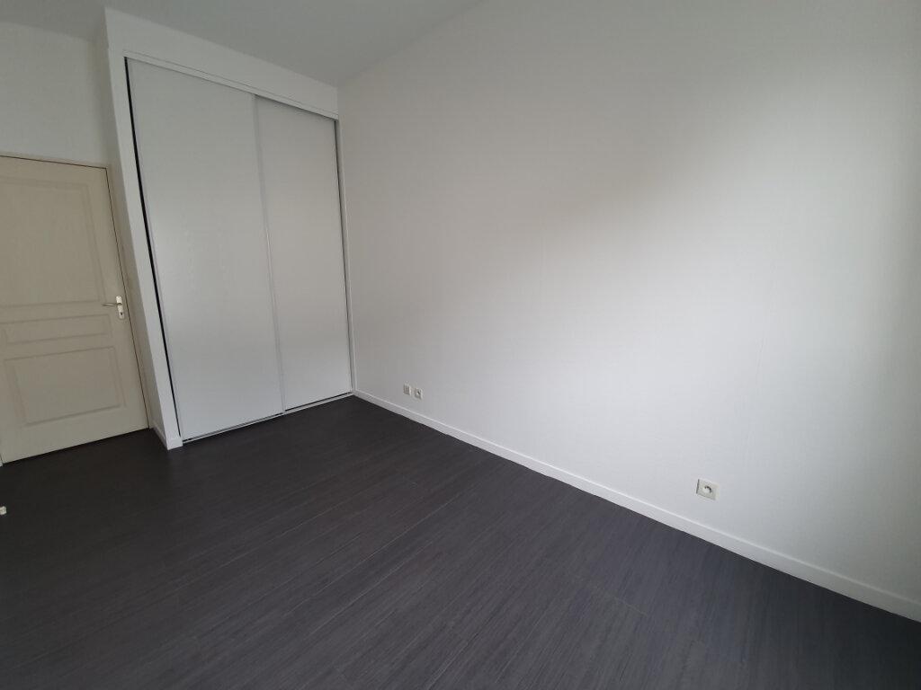 Appartement à louer 3 68.36m2 à La Riche vignette-4