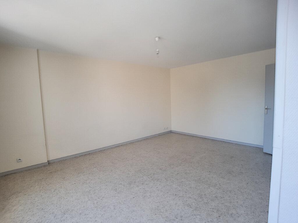 Appartement à louer 1 33m2 à Joué-lès-Tours vignette-2