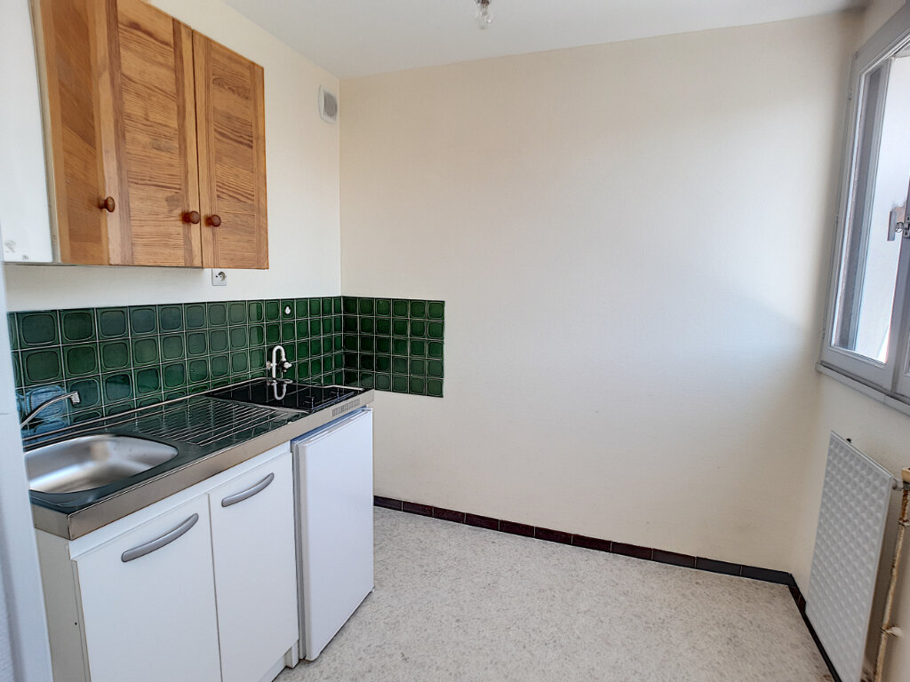 Appartement à louer 1 33m2 à Joué-lès-Tours vignette-3