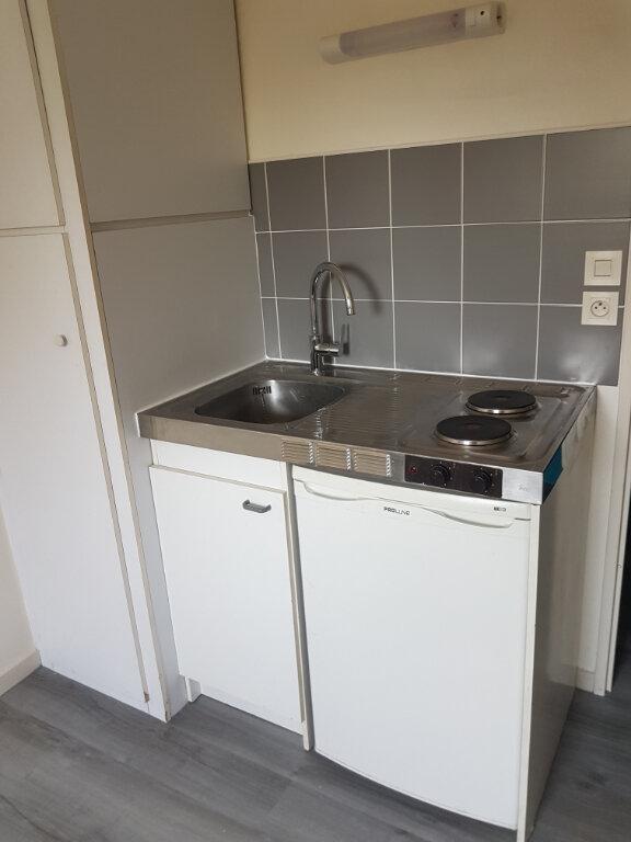 Appartement à louer 1 12.7m2 à Tours vignette-2
