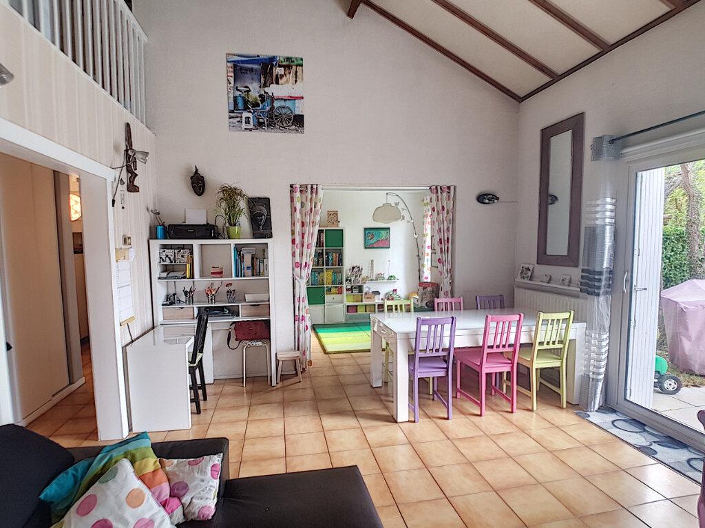 Maison à vendre 5 107.28m2 à Joué-lès-Tours vignette-3
