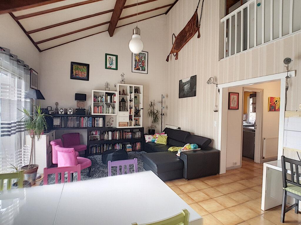 Maison à vendre 5 107.28m2 à Joué-lès-Tours vignette-8