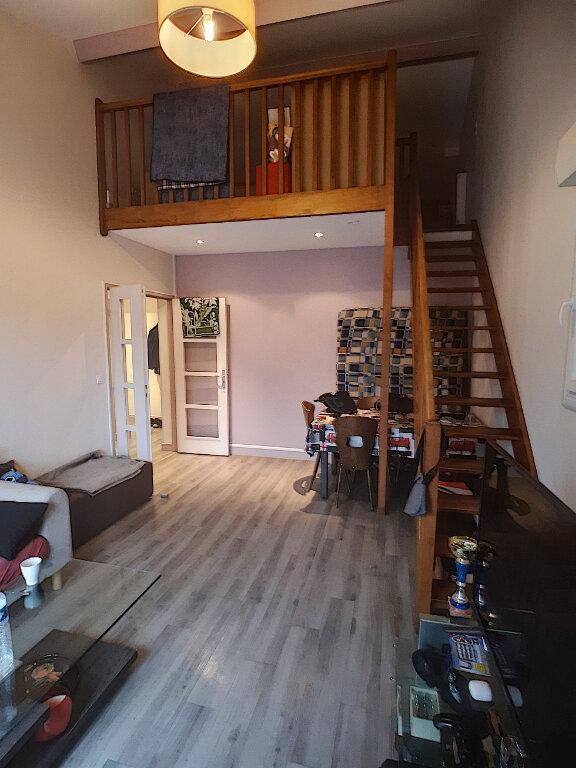 Appartement à louer 2 41.28m2 à Joué-lès-Tours vignette-1