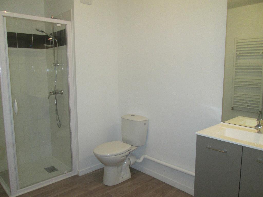 Appartement à louer 2 39.9m2 à Joué-lès-Tours vignette-7
