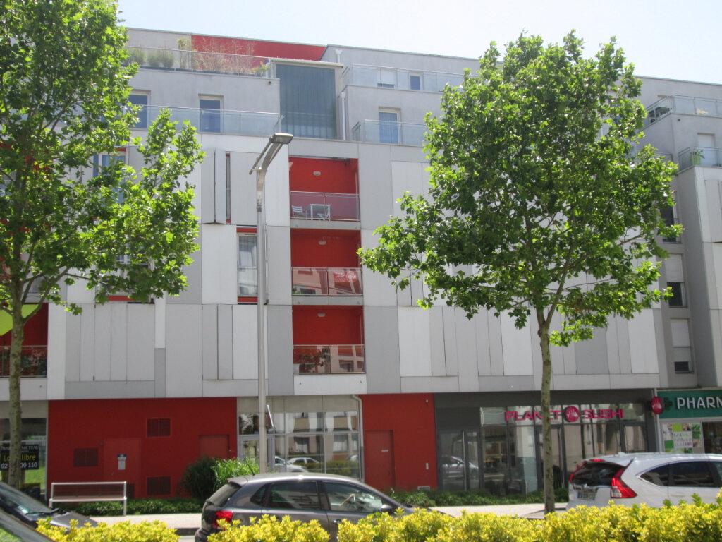 Appartement à louer 2 41.5m2 à Joué-lès-Tours vignette-1