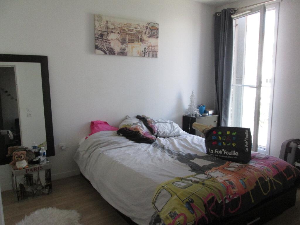 Appartement à louer 2 41.5m2 à Joué-lès-Tours vignette-4
