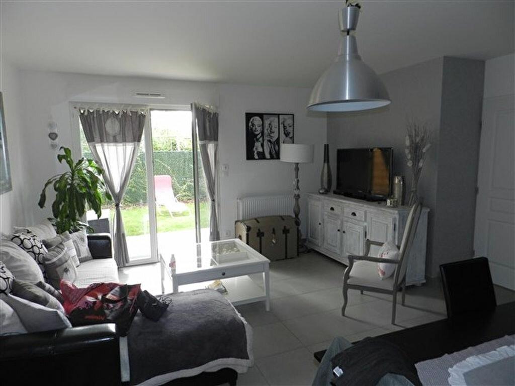 Appartement à louer 2 45.8m2 à Joué-lès-Tours vignette-1