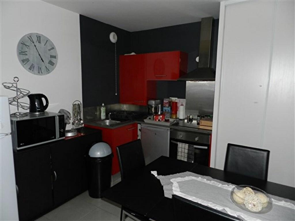Appartement à louer 2 45.8m2 à Joué-lès-Tours vignette-2