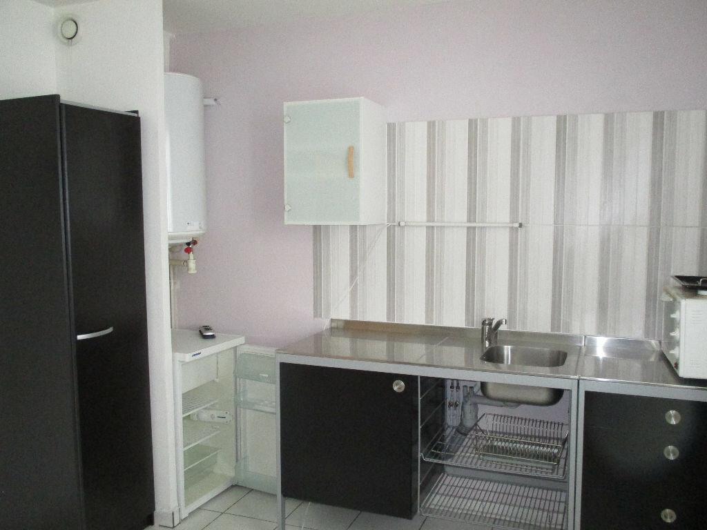 Appartement à vendre 1 17m2 à Joué-lès-Tours vignette-2