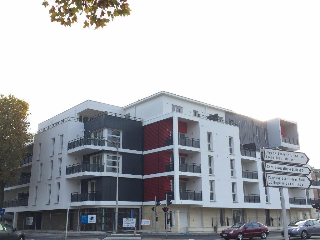 Appartement à louer 3 60.47m2 à Joué-lès-Tours vignette-1