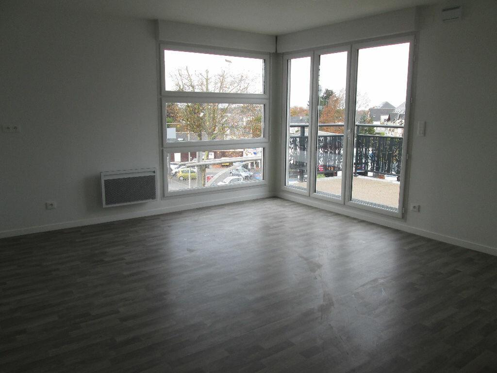 Appartement à louer 3 60.47m2 à Joué-lès-Tours vignette-2