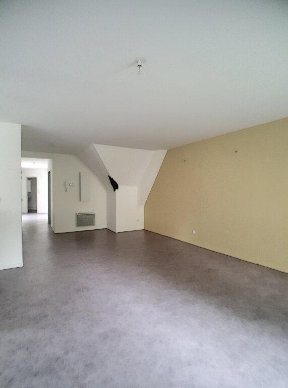 Appartement à louer 4 116m2 à Chinon vignette-4