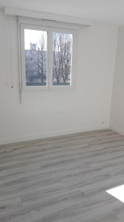 Appartement à louer 3 60m2 à Joué-lès-Tours vignette-4