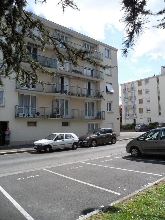 Appartement à louer 3 60m2 à Joué-lès-Tours vignette-7