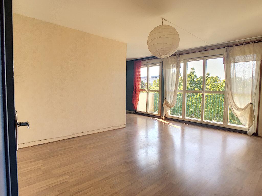 Appartement à vendre 4 70.15m2 à Joué-lès-Tours vignette-1