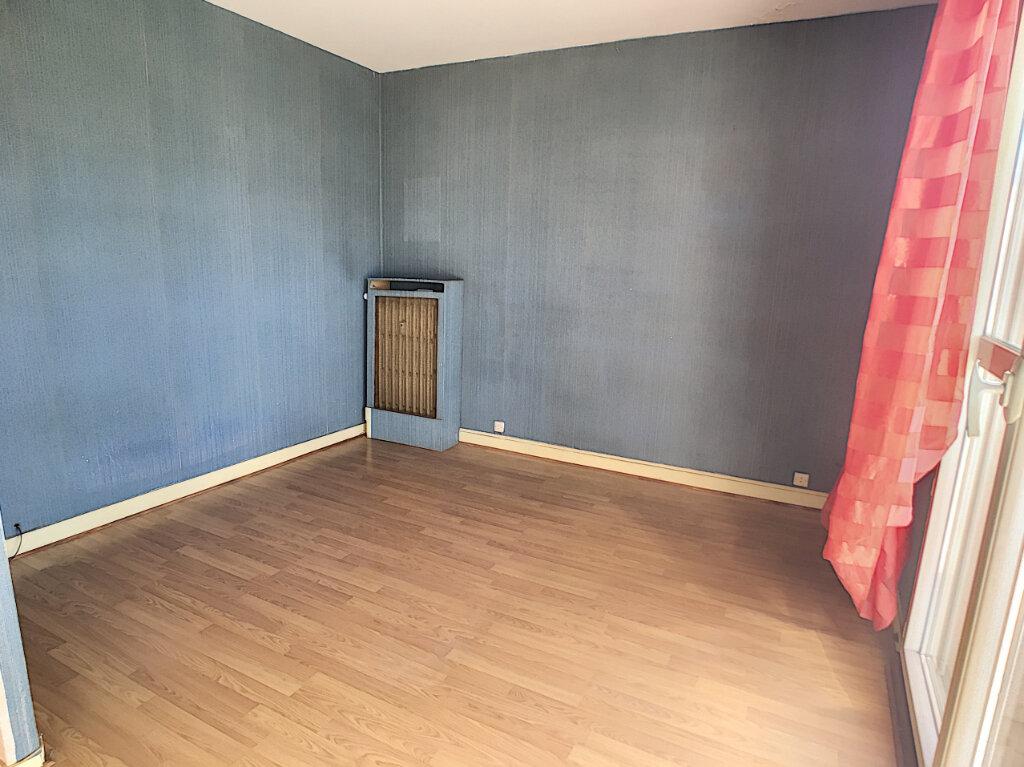 Appartement à vendre 4 70.15m2 à Joué-lès-Tours vignette-2