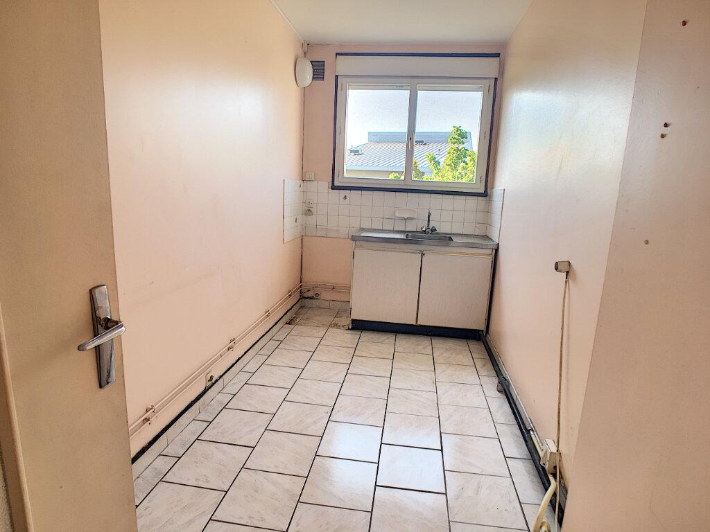 Appartement à vendre 4 70.15m2 à Joué-lès-Tours vignette-5