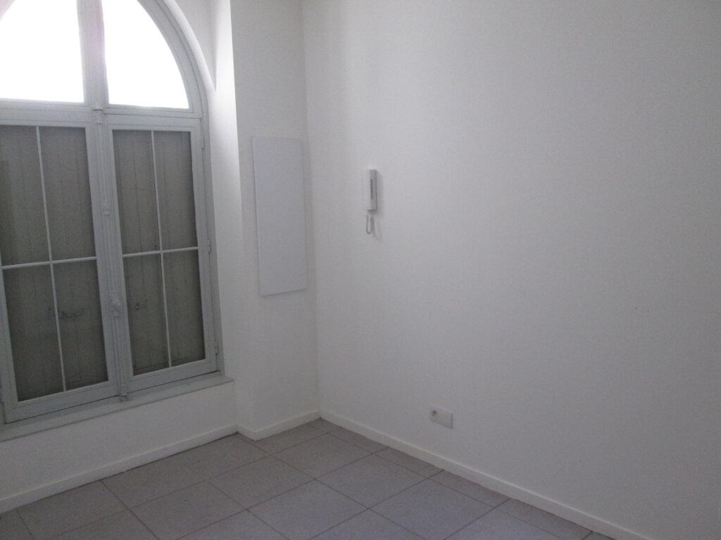 Appartement à louer 2 45.5m2 à Chinon vignette-2
