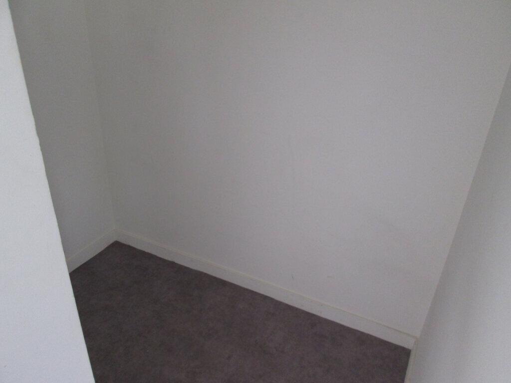 Appartement à louer 2 45.5m2 à Chinon vignette-9