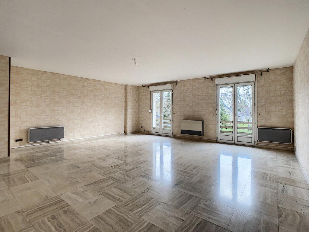 Appartement à vendre 5 110.01m2 à Joué-lès-Tours vignette-1