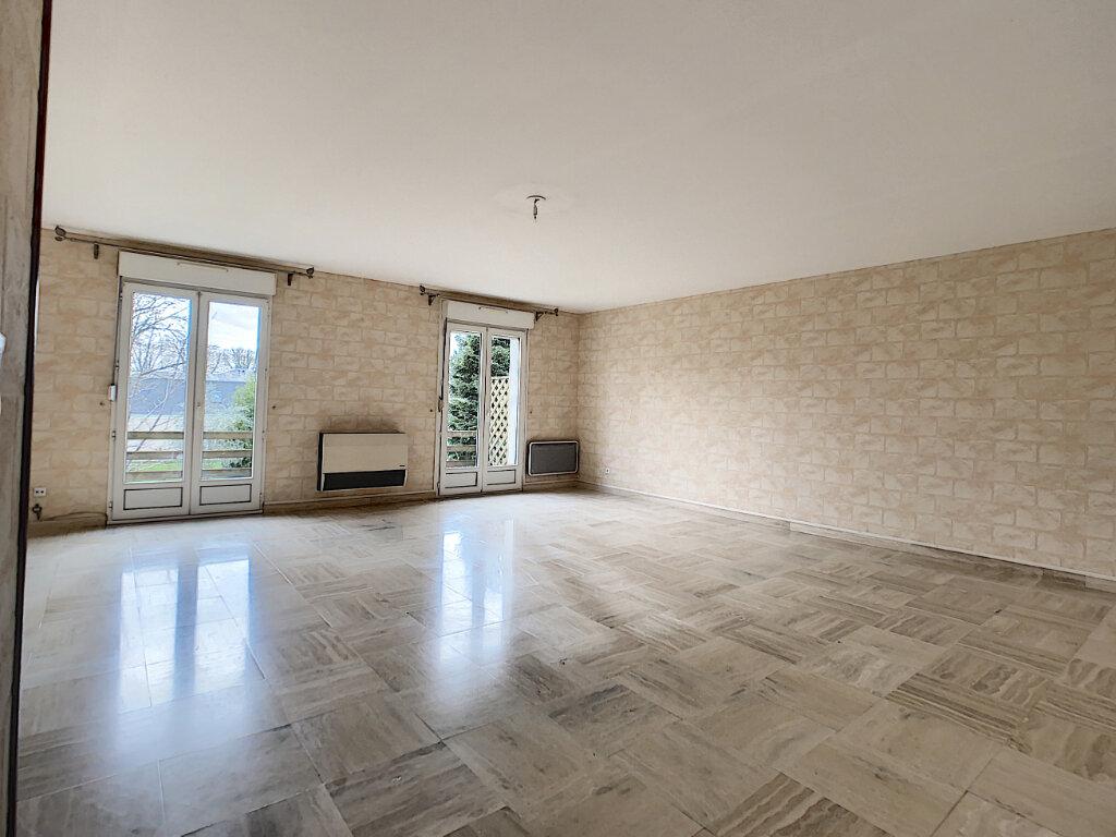 Appartement à vendre 5 110.01m2 à Joué-lès-Tours vignette-2
